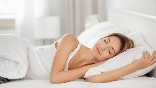 オーダーメイドの枕で快適な寝姿勢をキープ。機能やメリットを紹介