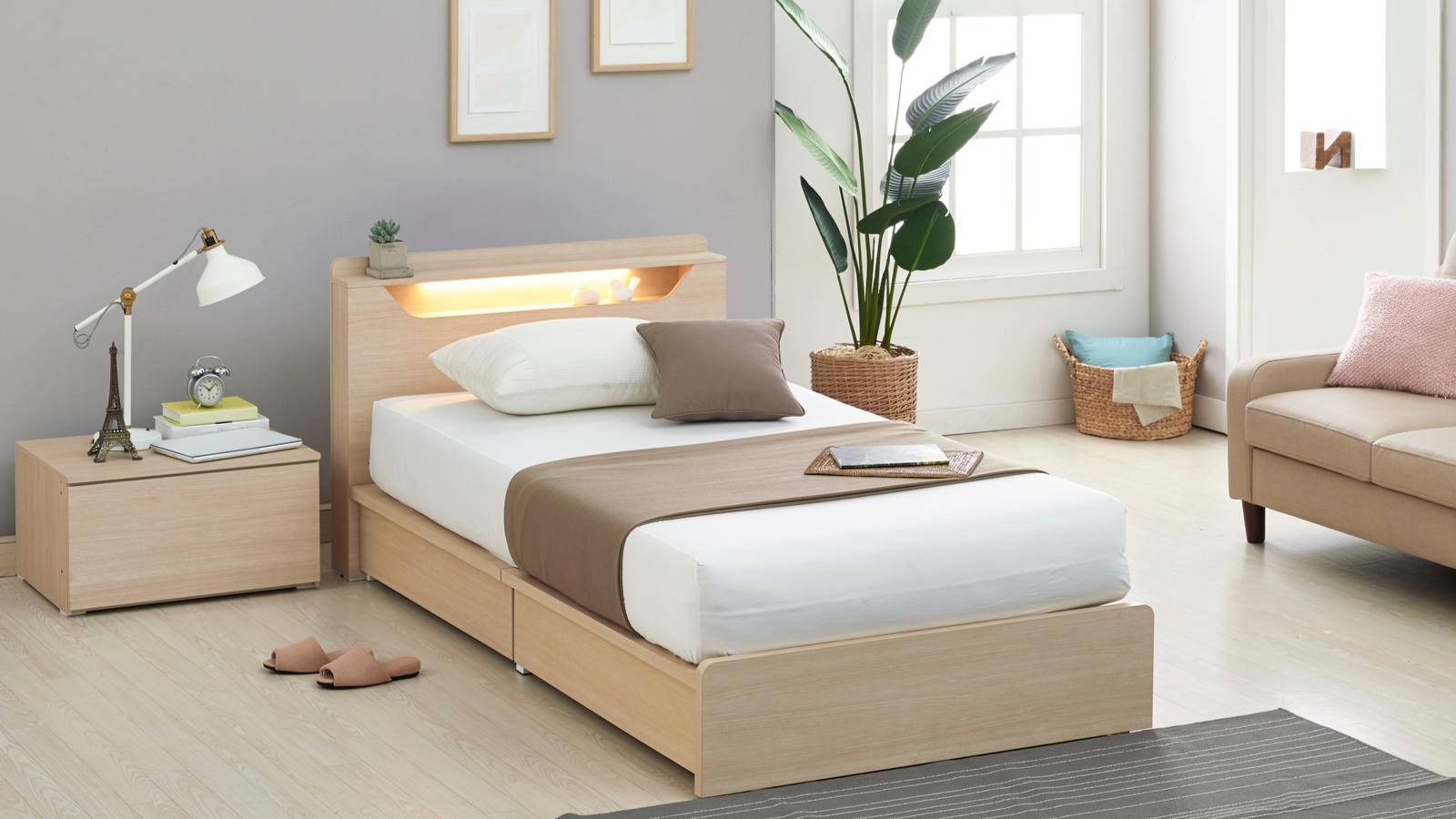 部屋が狭い ベッド