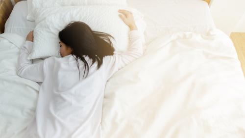 ベッドシーツやマットレスは洗濯できる?手入れの頻度や洗濯方法