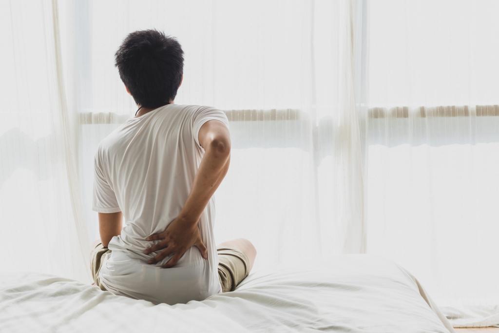 硬い マットレス 腰痛