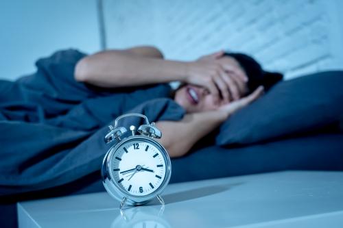 睡眠負債とは?日常生活への影響や解消のポイントを紹介