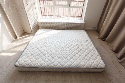 ベッドなしでマットレスを直置きしていい?メリットやデメリット、注意点、おすすめ商品を紹介
