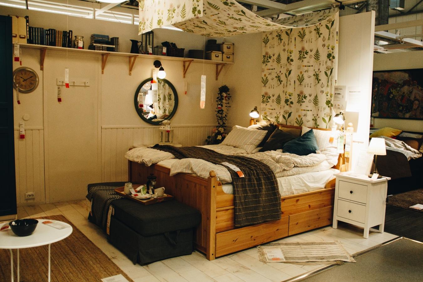 収納 ベッド 家具