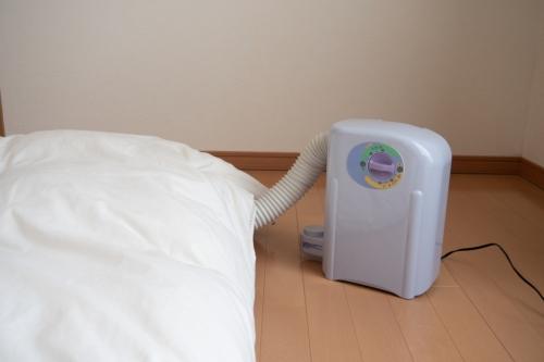 布団乾燥機の使い方を解説。活用方法や効率よく使うためのコツ