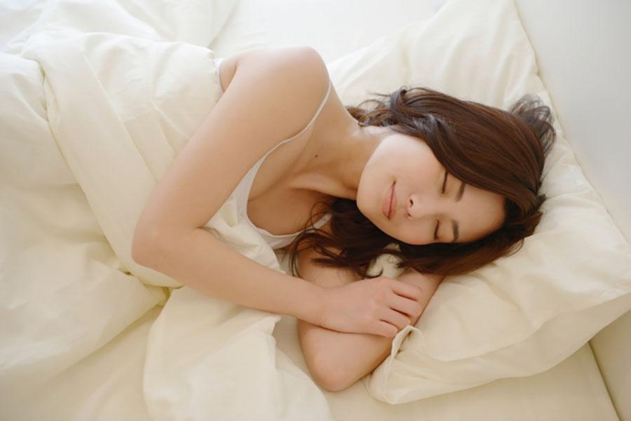 ぴったりな枕のサイズは?選び方や種類、枕カバーの選び方をご紹介 | Sleepee(スリーピー)