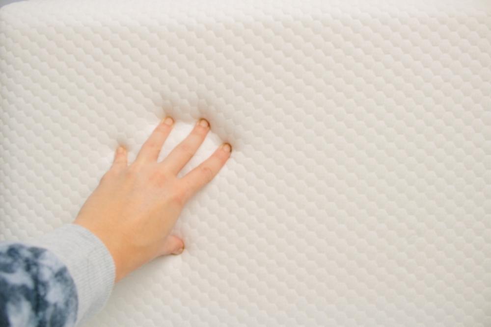 枕 素材 化学繊維